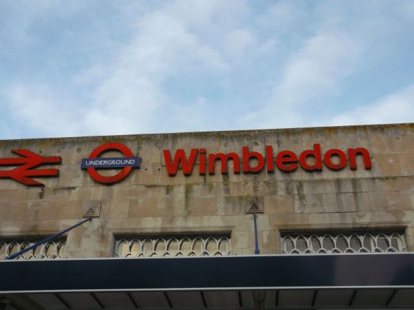the return to wimbledon sw19 first visted back in 1982 then 1987 as i tryed to find the wombles coulnt find them but some of the guys look like cuddly wombles as one will see as once again i walk with wimbledon men