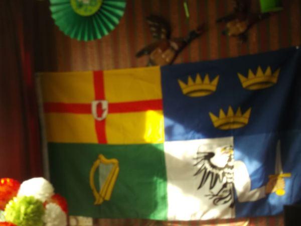 and heres the flag of the 4 countys of ireland falite sasta naomw padraig la