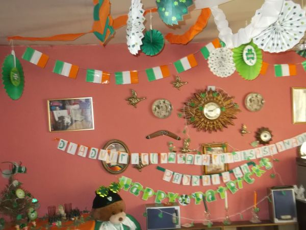 and heres the decorations to say happy st patricks day 2014