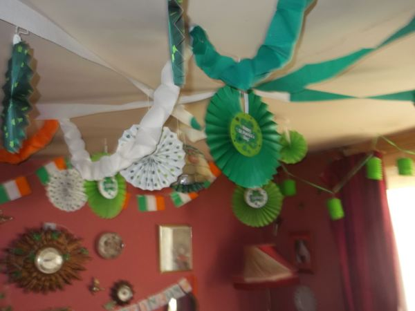 heres are some modern decorations and the streamers i made from 1986