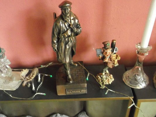 coming soon the easter rising in 1916 as once again i look in my box from 1986 and put the decorations from that time and also find some wonderfull new statues of the a irish vollenter